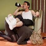 Если муж алкаш все время пьет — стоит ли с ним жить