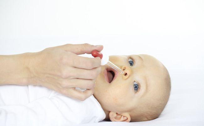 Чем лечить сопли у новорожденного ребенка